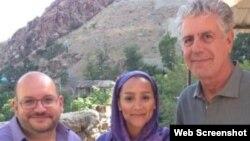 بوردین در سال ۲۰۱۴ به ایران سفر کرد و در آن زمان با «جیسون رضائیان» خبرنگار واشنگتن پست که هنوز بازداشت نشده بود، دیدار کرد.