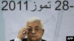 Tổng thống Palestine Mahmoud Abbas tham dự cuộc họp với các thành viên của Hội đồng Palestine tại thành phố Ramallah trong vùng Tây Ngạn, ngày 27/7/2011
