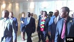 UMnu. Emmerson Mnangagwa ekwele Botswana ...