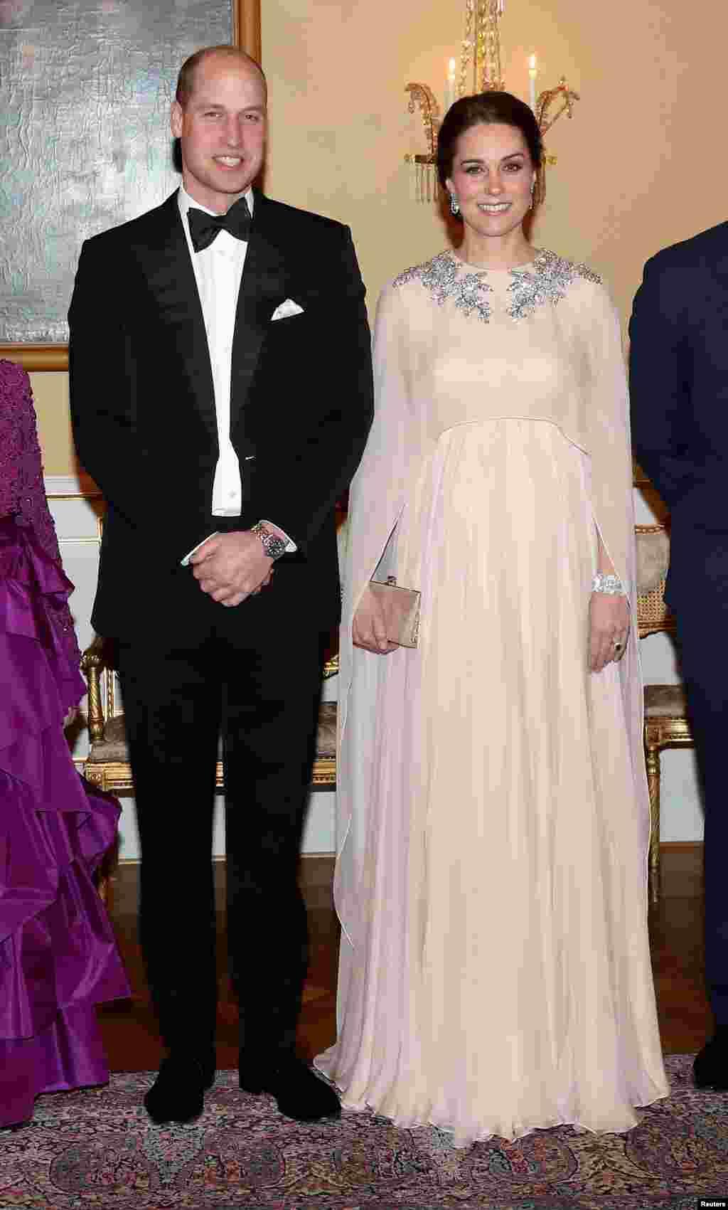 عکسی از «کیت میدلتون» و همسرش شاهزاده ویلیام از بریتانیا پیش از ضیافت شام در کاخ سلطنتی اسلو نروژ