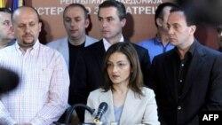 Makedonska ministarka unutrašnjih poslova Gordana Jankulovska na konferenciji za novinare govori o hapšenju osumnjičenih za petostruko ubistvo 11. aprila