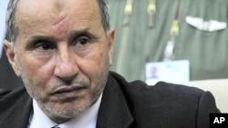 利比亞全國過渡委員會領導人賈利勒(資料圖片)表示他們沒有與卡扎菲的代表舉行任何直接或間接談判。