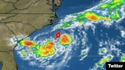 La tormenta tropical Chris se formó frente a la Costa de Carolina del Norte, al sur de Cabo Hatteras.