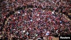 Protesters opposing Egyptian President Mohamed Morsi demande his resignation in Tahrir Square, Cairo, July 2, 2013.