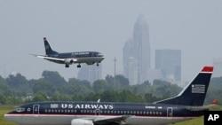 Los tres aviones de la aerolínea US Airways llevaban 192 pasajeros.