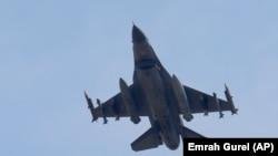 İncirlik'ten kalkan silahlı bir Türk F-16'sı