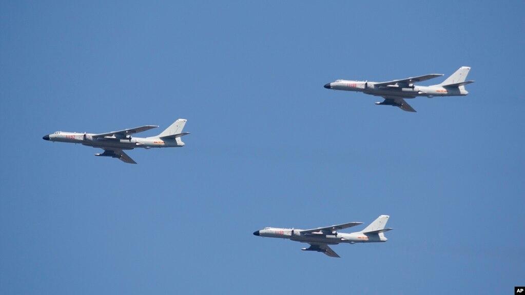 中國遠程轟炸機轟-6K編隊飛行(2015年9月3日)