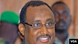 PM baru Somalia, Abdiweli Mohamed Ali dalam konferensi pers di Mogadishu (23/6).