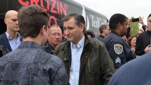 Cruz dijo a periodistas que nunca trabajó directamente con Boehner, quien renunció al cargo de Presidente de la Cámara de Representantes en el otoño pasado.