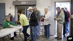 美国南卡罗莱纳州的选民1月21日参加共和党的总统初选