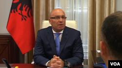 Tiranë: Ministri i brendshëm kërkon shkarkimin e disa drejtuesve policorë