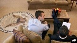 Predsjednik Barack Obama radi na Govoru o stanju nacije s Jonom Favreauom, jednim od speechwritera Bijele kuće