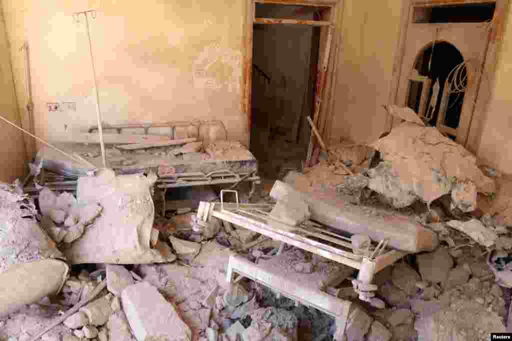 حلب شہر کے مشرق میں باغیوں کے زیر کنٹرول علاقے میں واقع سب سے بڑے اور واحد اسپتال پر بم حملہ کیا گیا۔