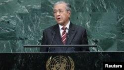 Perdana Nenteri Malaysia Dr. Mahathir Mohamad berpidato di depan Sidang Umum PBB di New York hari Jumat (28/9).