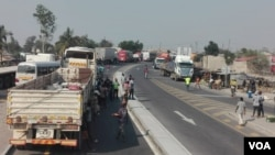 Condutores bloquearam a estrada e pediram segurança ao Governo