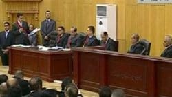ادامه محاکمه مبارک به ۲۴ مرداد موکول شد