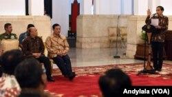 Presiden Jokowi dalam Peringatan Hari HAM Sedunia 2015 di Istana Negara, Jakarta, 11 Desember 2015. (Foto: VOA/Andylala).