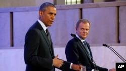 6月3日美国总统奥巴马和波兰总统科莫洛夫斯基在华沙举行联合记者会