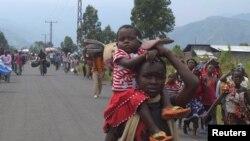 数千流离失所的家庭逃离戈马附近地区
