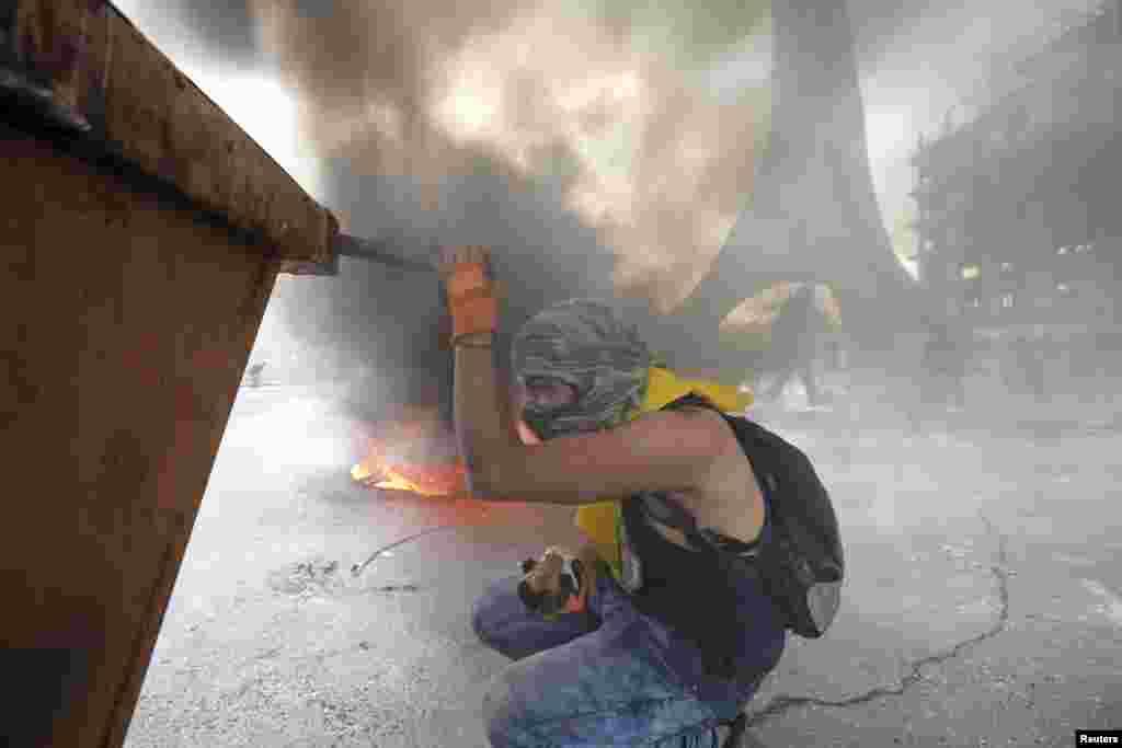 درگیری بین معترضان فلسطینی و نیروهای نظامی اسرائیل در کرانه باختری افزایش یافته است.