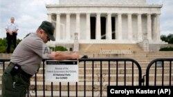 美國國會曾經因為聯邦預算未能達成協議﹐首都華盛頓特區的林肯紀念館等國家公園被迫關閉。
