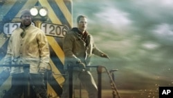 Denzel Washington and Chris Pine race the clock to prevent disaster in a highly populated area in Unstoppable.