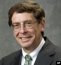 加州大学黑斯庭分校刑法学教授罗利·利特