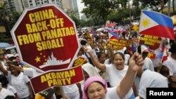 Người dân Philippines biểu tình chống Trung Quốc tại thủ đô Manila.