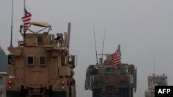 Konvoi kendaraan militer AS di kota Manbij, Suriah, 30 Desember 2018. (Foto: dok).