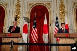 Donald Tramp və Şinzo Abe