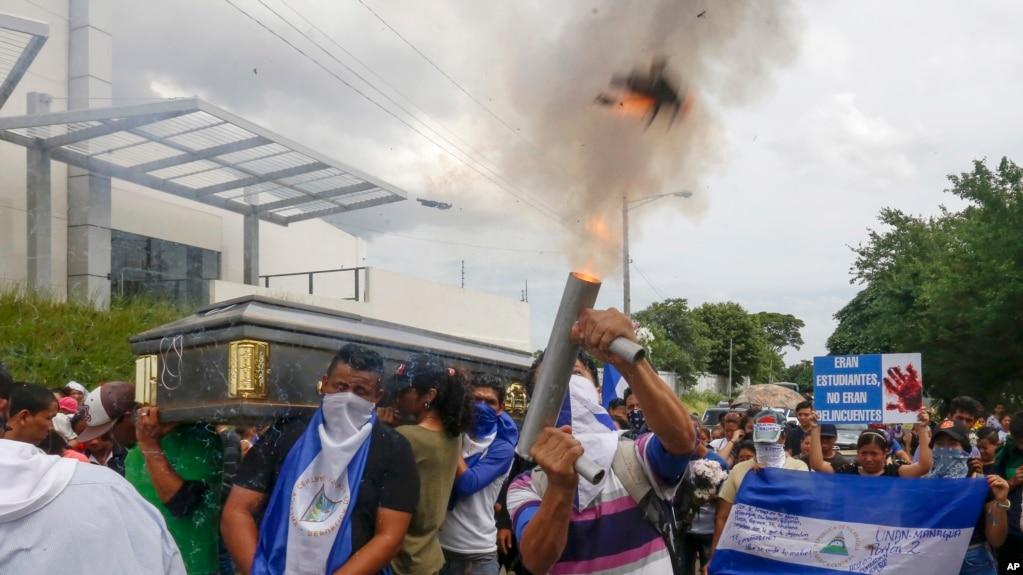 La violencia en Nicaragua ha dejado más de 350 muertos y 1.830 heridos.