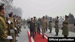Pakistanın hərbi lideri general Rahil Şərif Əfqanistanda səfərdədir.