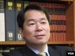 台灣外交部代理發言人 何震寰(美國之音張永泰拍攝)
