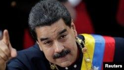 Presiden Venezuela Nicolas Maduro tiba untuk menghadiri rapat Dewan Konstituante di Caracas, Venezuela (10/8) lalu.