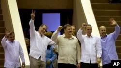 """Esta es la primera vez que los llamados """"héroes cubanos"""" salen de la isla tras su retorno de Estados Unidos."""