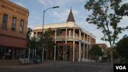 The historic Weatherford Hotel in Flagstaff, Arizona