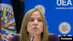 Betilde Muñoz-Pogossian dialoga sobre la participación de las mujeres en política