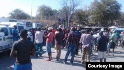 The Beitbridge border post in Zimbabwe's Matabeleland South province was shut down today after the government effected the import ban on basic commodities.