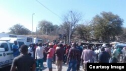 The Beitbridge border post in Zimbabwe's Matabeleland South province was shut down Friday after the government effected an import ban on basic commodities.