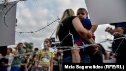 Stop Rusiji - protesti protiv 10-ogodišnje ruske okupacije Gruzije.