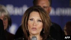 Dân biểu Michele Bachmann loan báo chấm dứt vai trò ứng cử viên tổng thống hôm thứ Tư, 4/1/2012, ở West Des Moines, Iowa