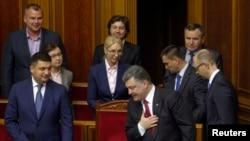 پترو پوروشنکو رئیس جمهوری اوکراین در پارلمان آن کشور - ۲۵ شهریور ۱۳۹۳
