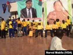 La police a tiré du gaz lacrymogène et procédé à des arrestations pour disperser un rassemblement de l'opposition samedi après-midi à Lubumbashi, RDC, le 29 octobre 2016. (VOA/Narval Mabila)