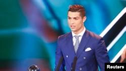 Cristiano Ronaldo à Zurich pour recevoir le prix du meilleur joueur de l'année, le 9 janvier 2017.