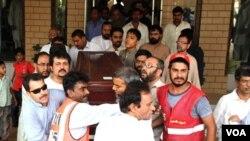 Los familiares dijeron que el cadáver de Shahzad fue hallado a más de 200 kilómetros de Islamabad.
