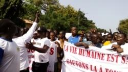 Burkina-Faso: Docotorow be Grvoula, ka sabou ke ouw ka baara geuleyaw ye. VOA-Alidou ouegrago.