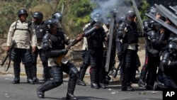 Durante las protestas de 2014 la Policía Nacional reprimió a quienes manifestaron contra el gobierno de Maduro.