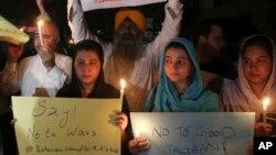 巴基斯坦團體及民眾6月3日以燭光抗議激進分子暴力不斷。