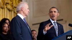 奧巴馬在3月28日在白宮呼籲國會通過管制槍械法案