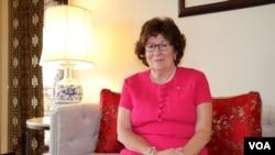 第二届唐奖法治奖获得者加拿大的路易斯·阿尔布尔(Louise Arbour)在台北圆山饭店接受美国之音专访。(美国之音林枫拍摄)